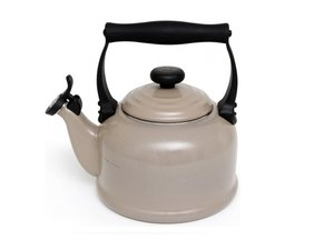 Le Creuset Wasserkessel Tradition 2,1 Liter, Sisal